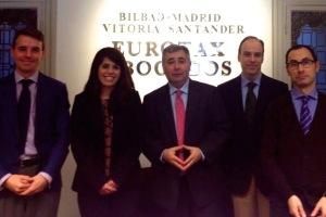 Sandra Castellanos recibe el Premio Extraordinario Fin de Carrera